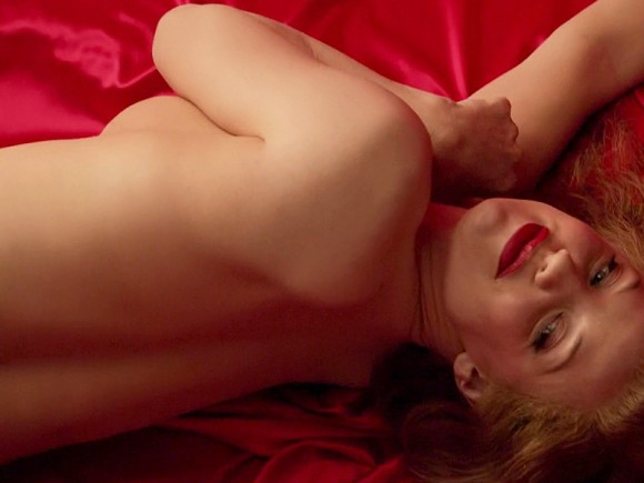 Kelli-Garner-Topless-Covered-As-Marilyn-Monroe-21-580x435e6a61.jpg