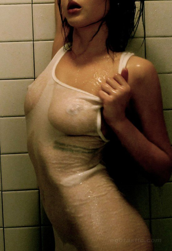 Renee-Olstead-Naked-178bbf1.jpg