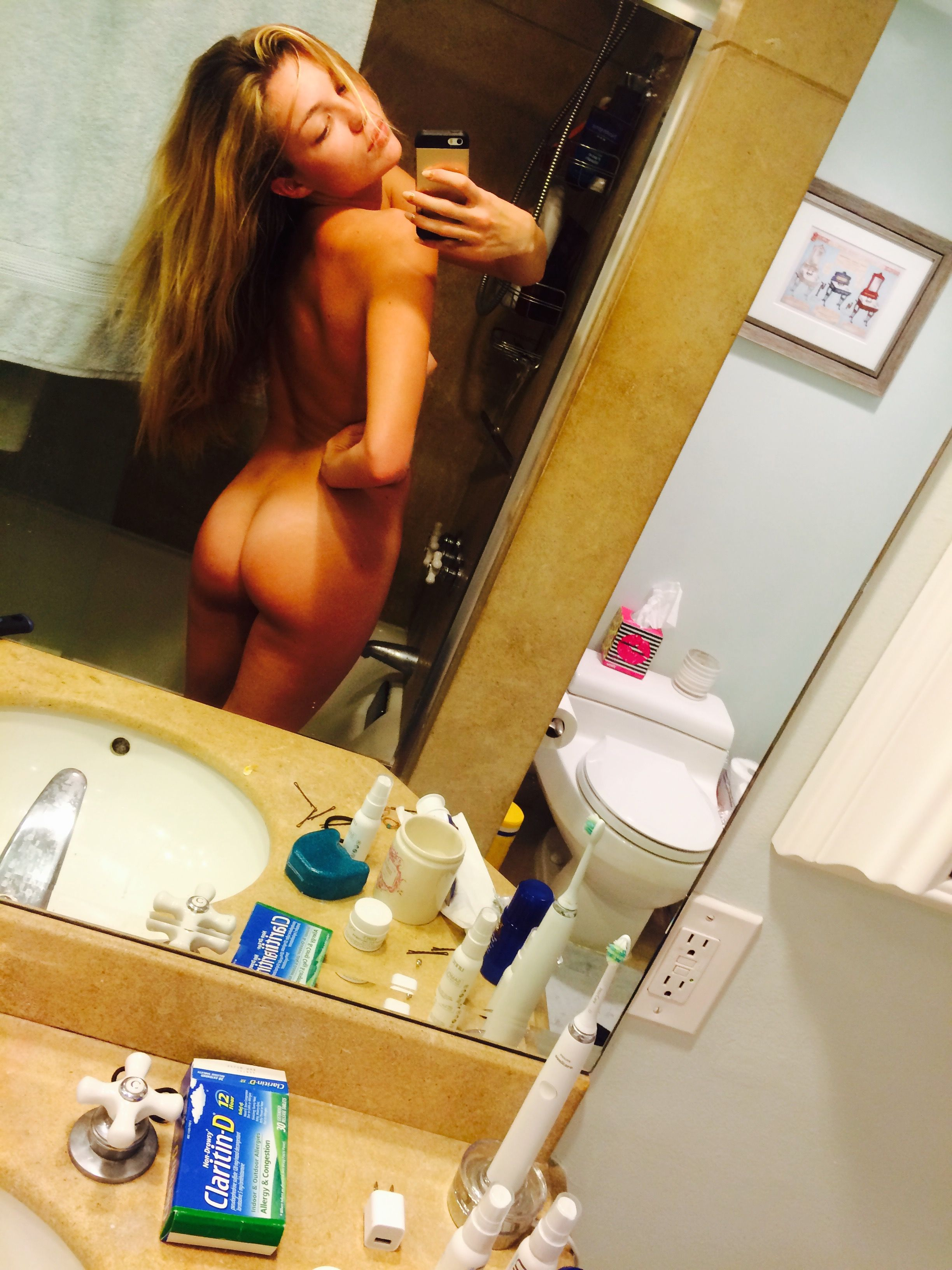 Lili-Simmons-Leaked-33-thefappening.nu_45ebe.jpg