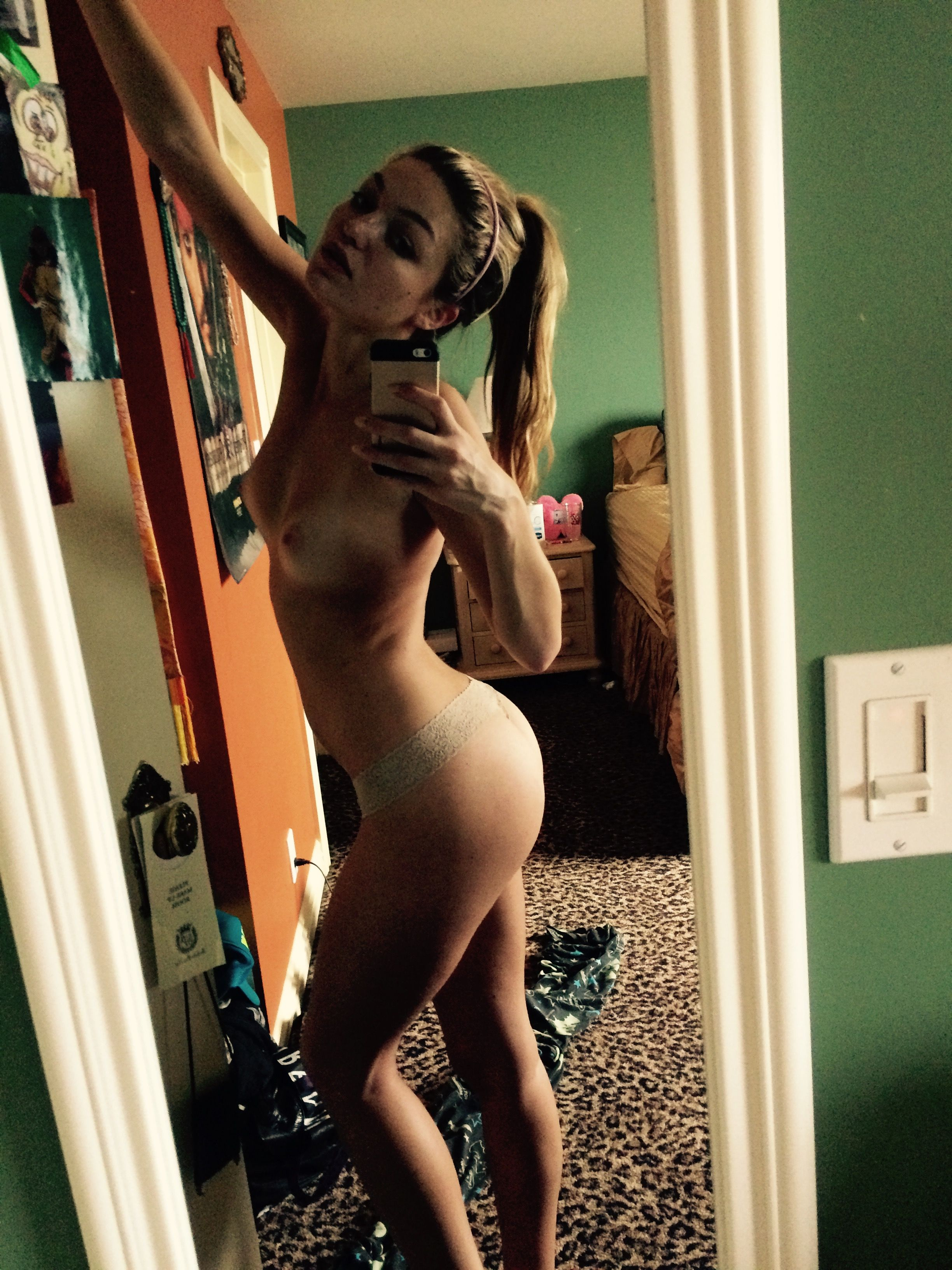 Lili-Simmons-Leaked-38-thefappening.nu_d3d6d.jpg