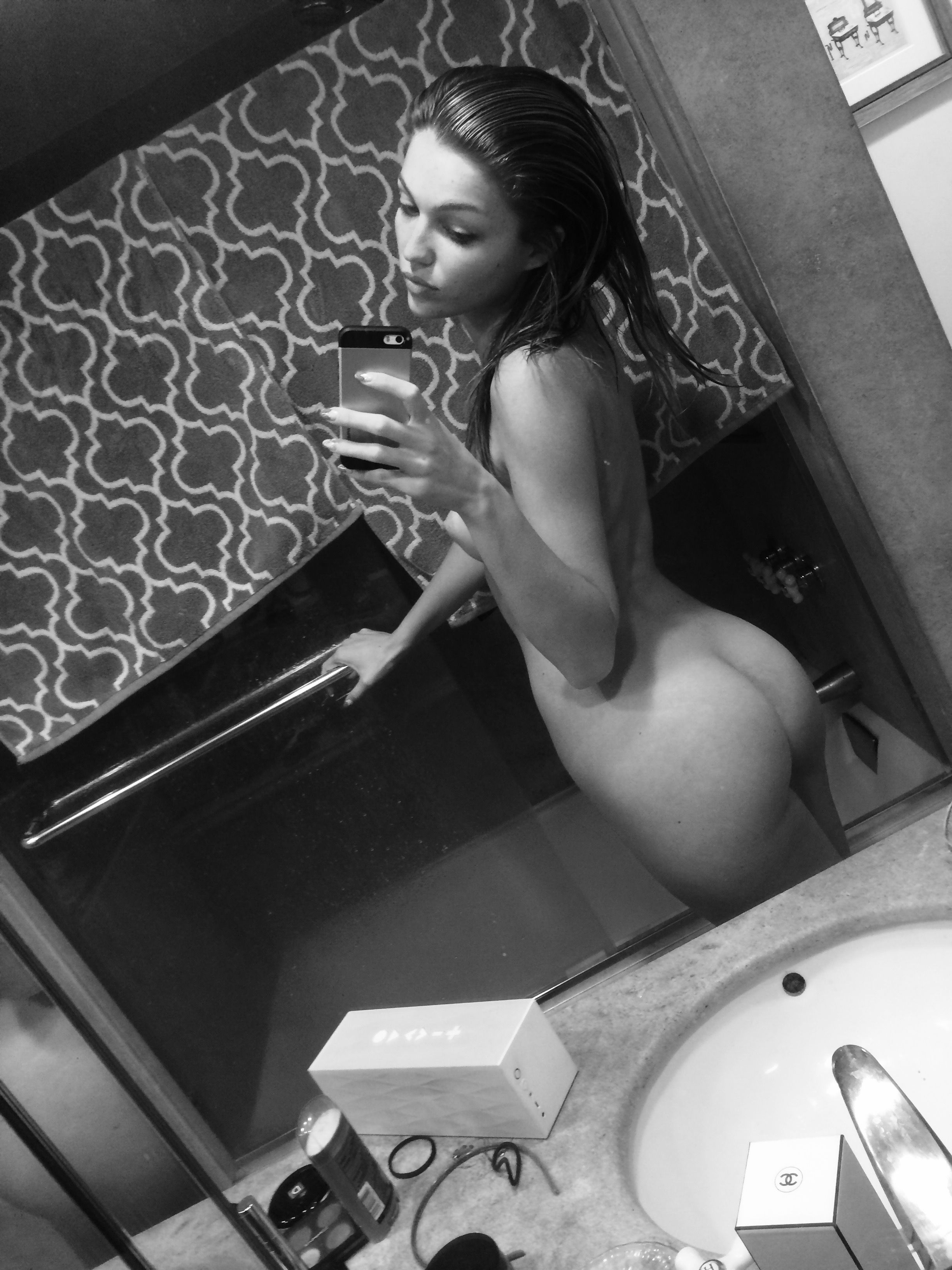 Lili-Simmons-Leaked-5-thefappening.nu_98917.jpg