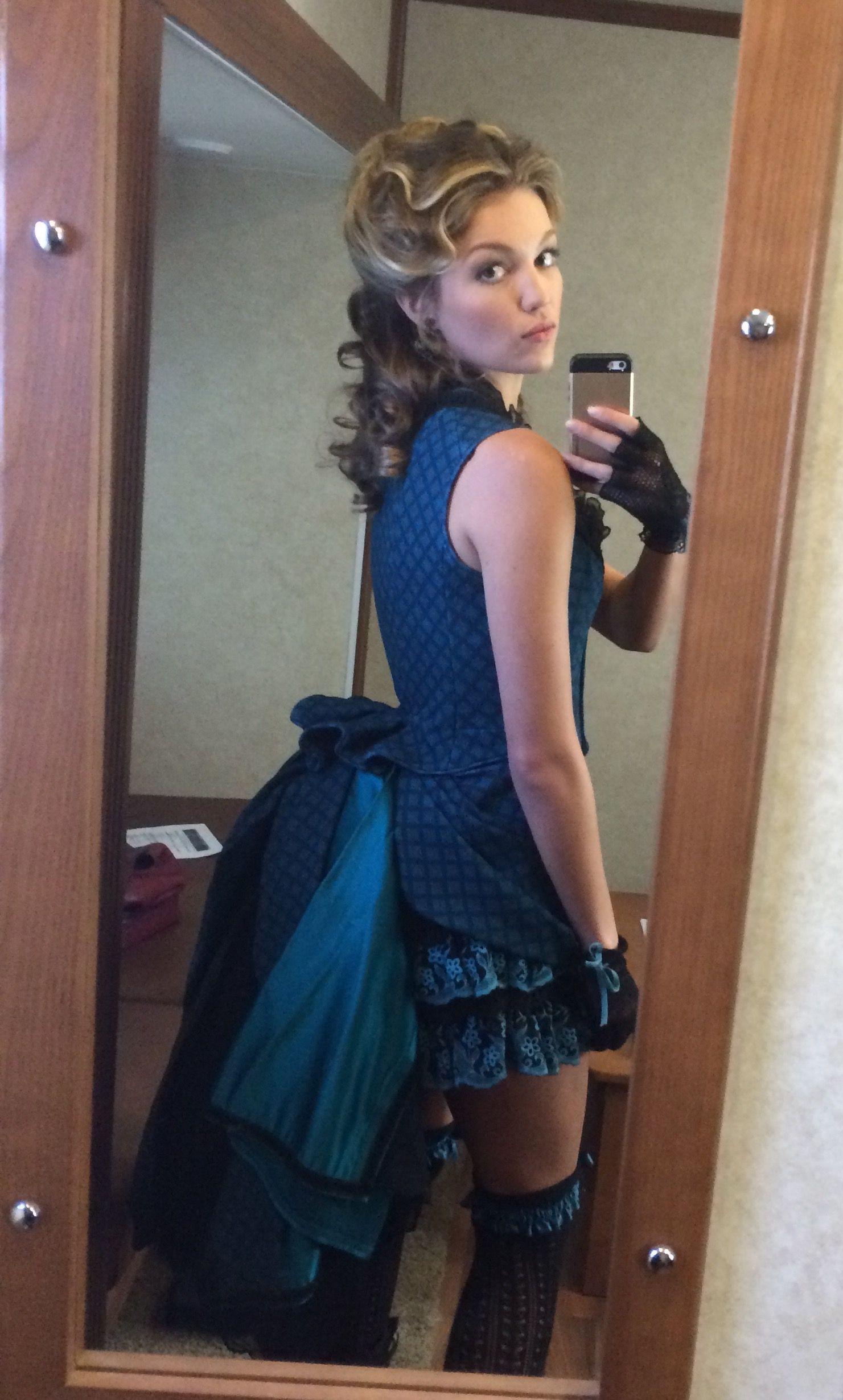Lili-Simmons-Leaked-55-thefappening.nu_296e8.jpg