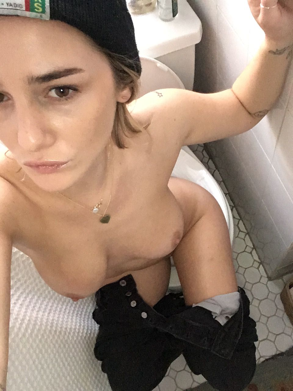 Addison-Timlin-Leaked-1-thefappening_nu_50333a3.jpg