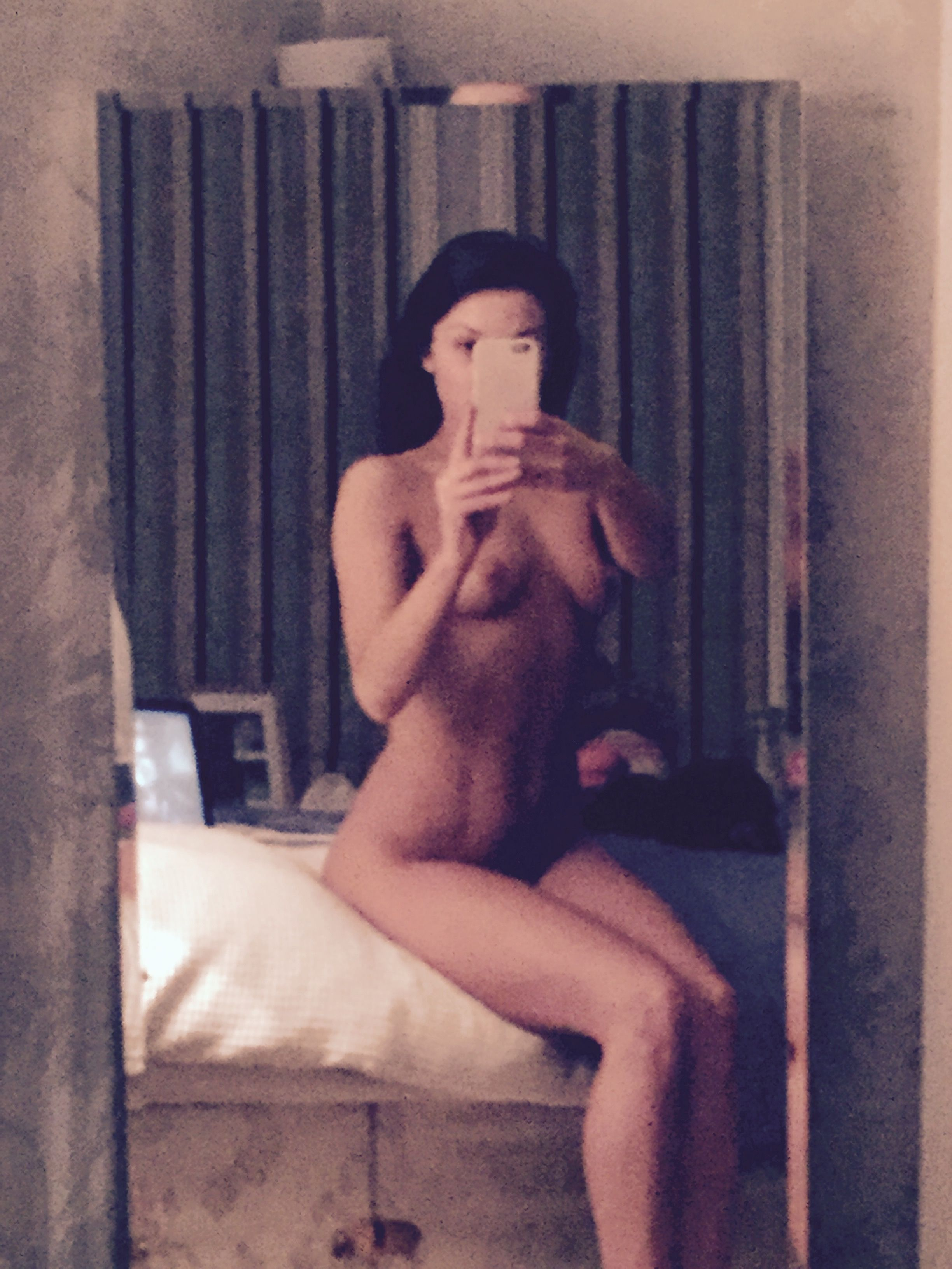 Faye-Brookes-Leaked-1-thefappening_nu_558548.jpg