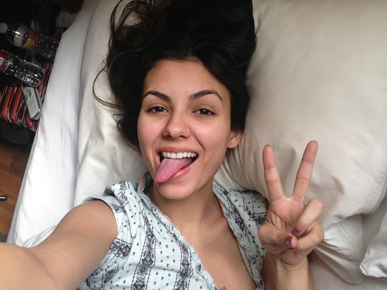 Victoria-Justice-Naked-03510a5df5f0fe3b3a.jpg