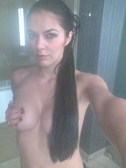 Adrianne Curry Leaked Photos 111740548a05fc5f6.jpg