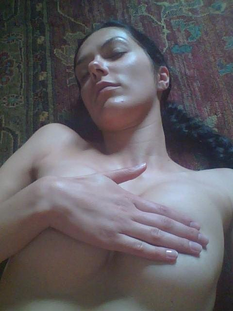 Adrianne Curry Leaked Photos 7e2b00f2733ac03aa.jpg