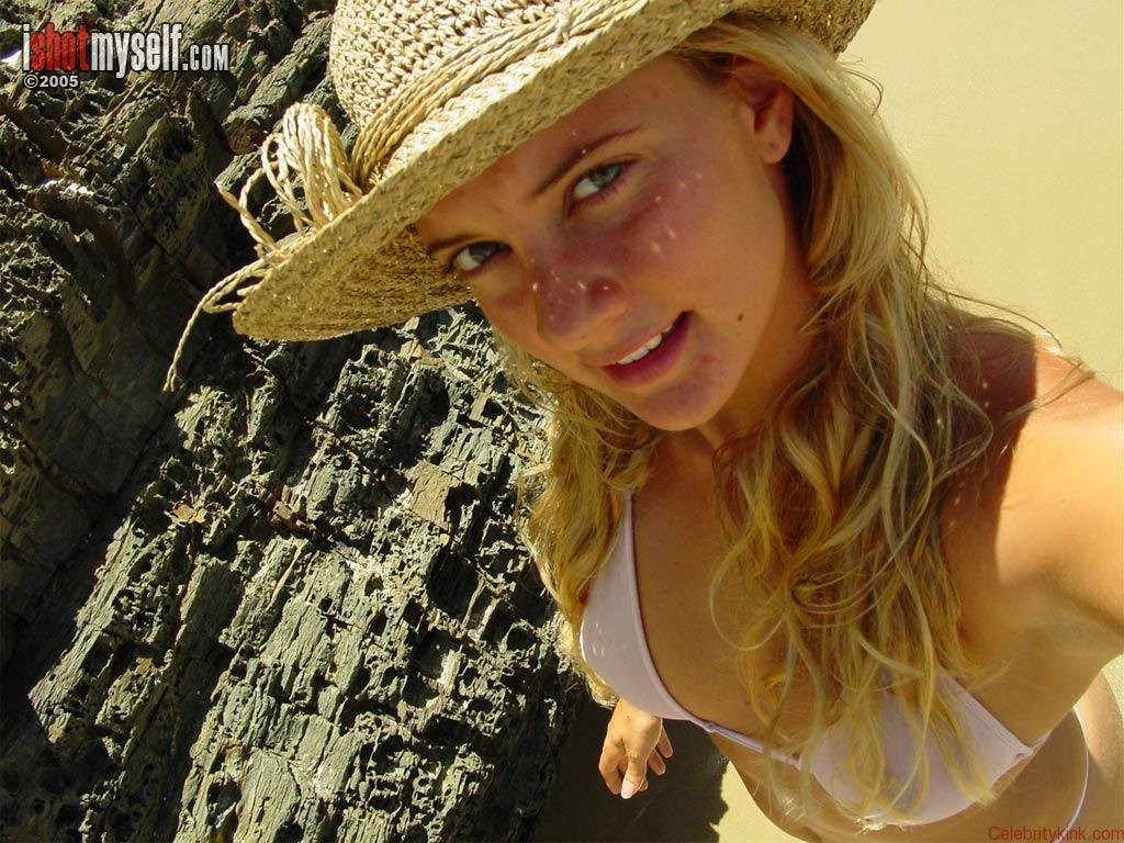 Hermione-Way-Naked-032---TheFappening.nu1e7cfbe5f551a17e.jpg
