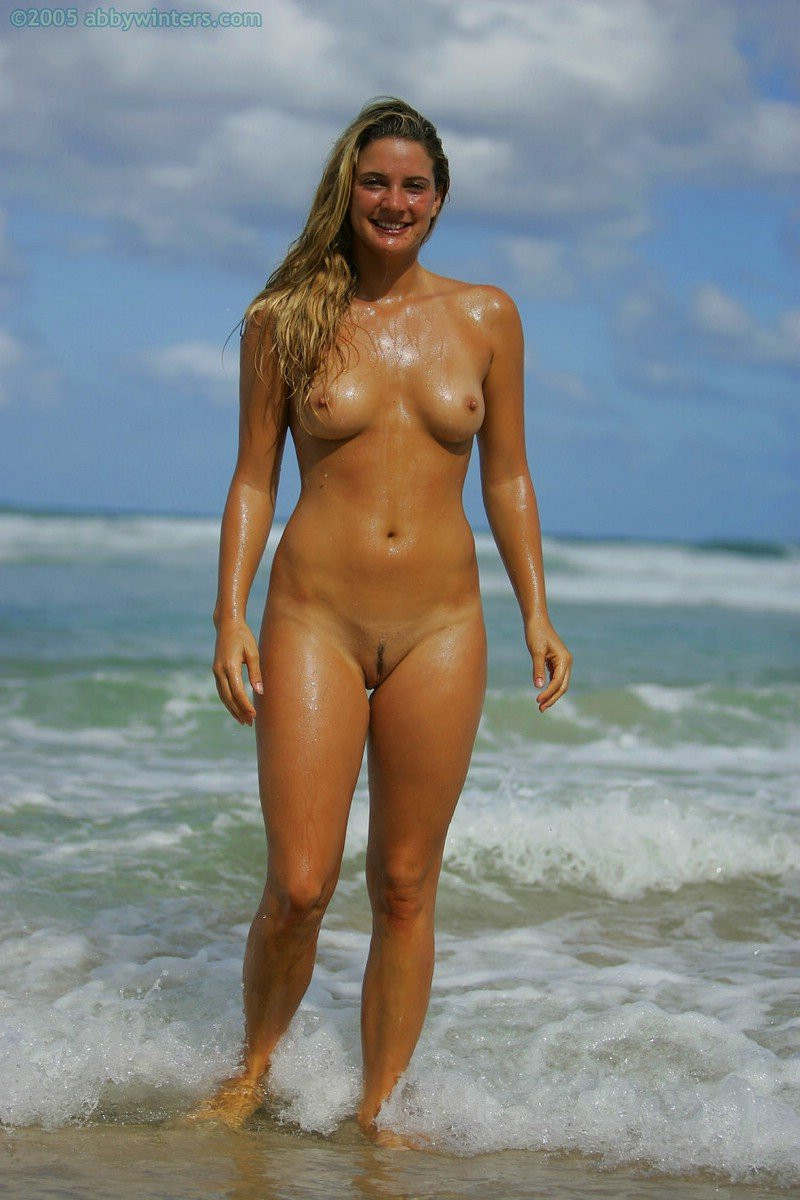 Hermione-Way-Naked-071---TheFappening.nuaf9055c0c09d12c8.jpg