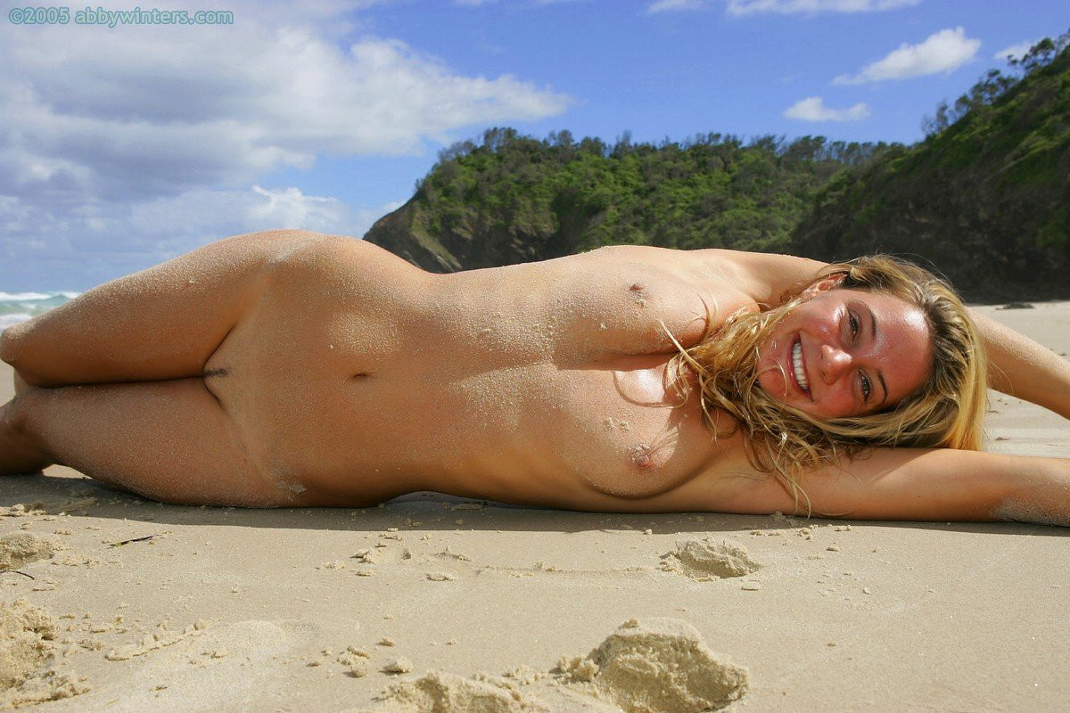 Hermione-Way-Naked-075---TheFappening.nuf75496c003564ae5.jpg