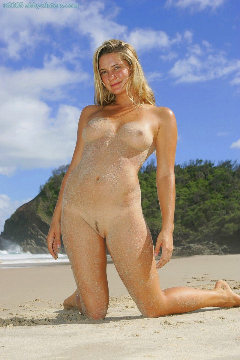 Hermione-Way-Naked-077---TheFappening.nudb1455e3af052335.jpg