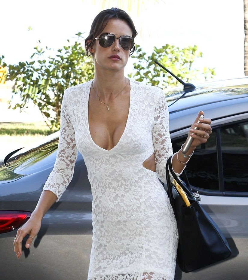 Alessandra Ambrosio Cleavage 2 TheFappening.nu