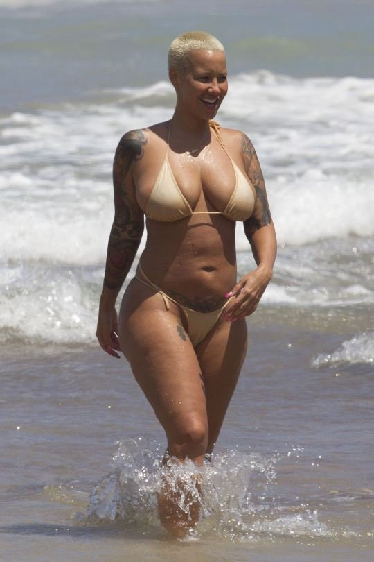 Amber Rose Topless 10 TheFappening.nu