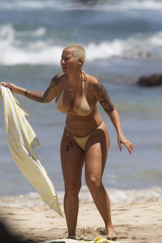 Amber Rose Topless 11 TheFappening.nu