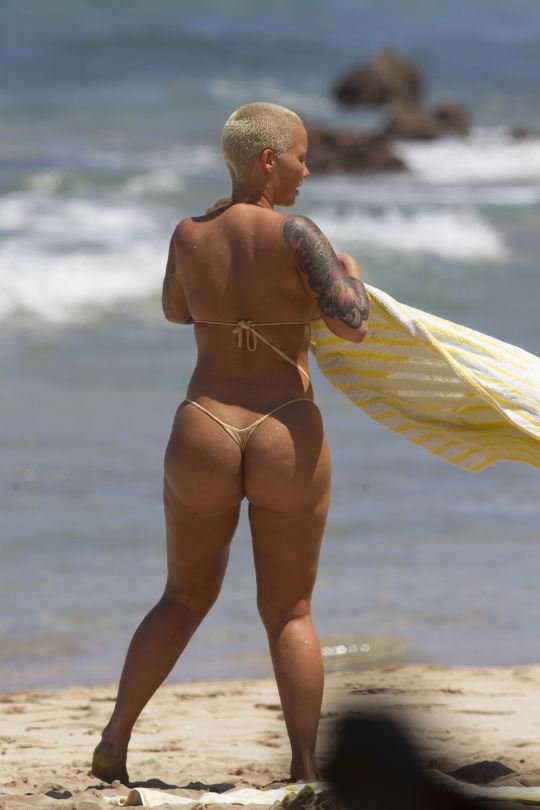 Amber Rose Topless 12 TheFappening.nu