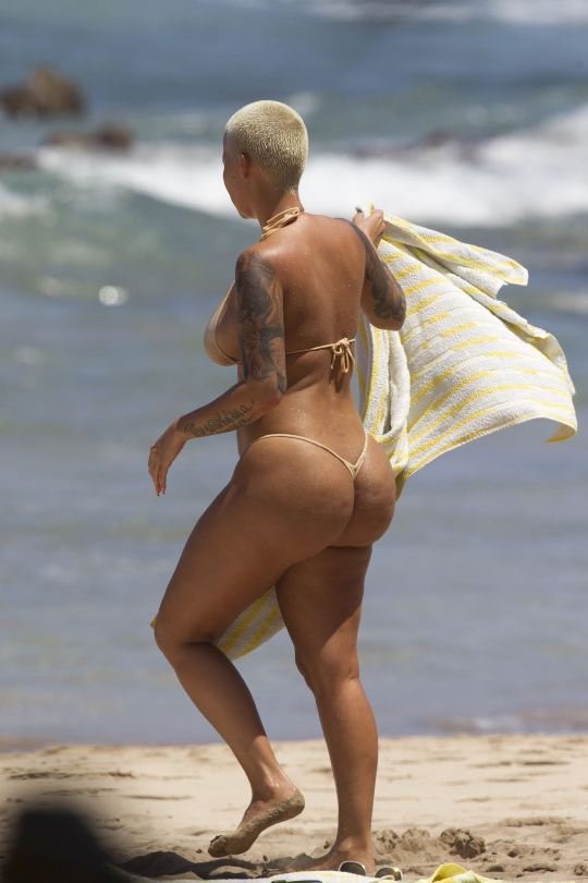 Amber Rose Topless 13 TheFappening.nu