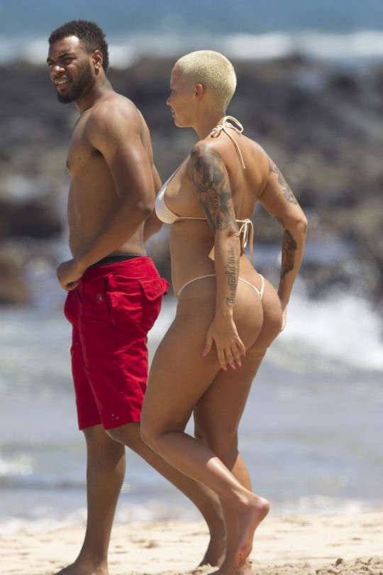 Amber Rose Topless 22 TheFappening.nu