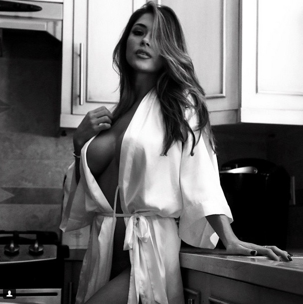 Arianny Celeste Topless 16 TheFappening.nu