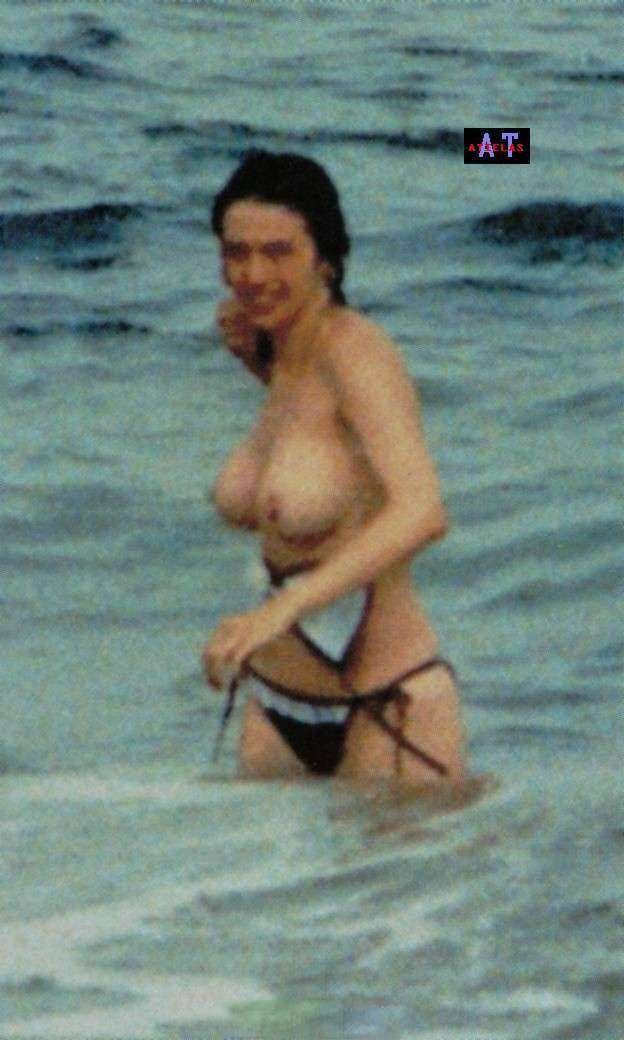 Beatriz Rico Topless 05 TheFappening.nu