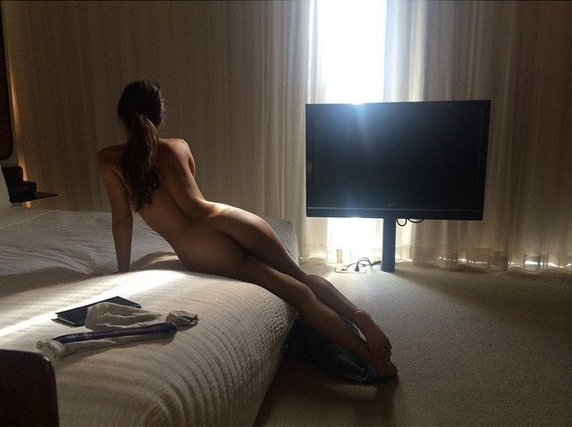 Caitlin-Stasey-Naked-032---TheFappening.nu004fba63bf5b3ded.jpg