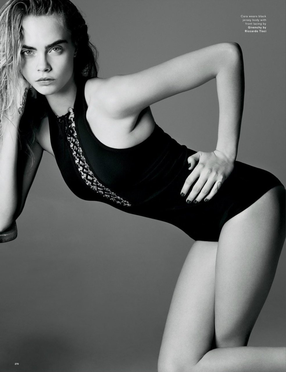 Cara-Delevingne-Kendall-Jenner-in-Love-Magazine-06---TheFappening.nu0c6b9e367d4c821b.jpg
