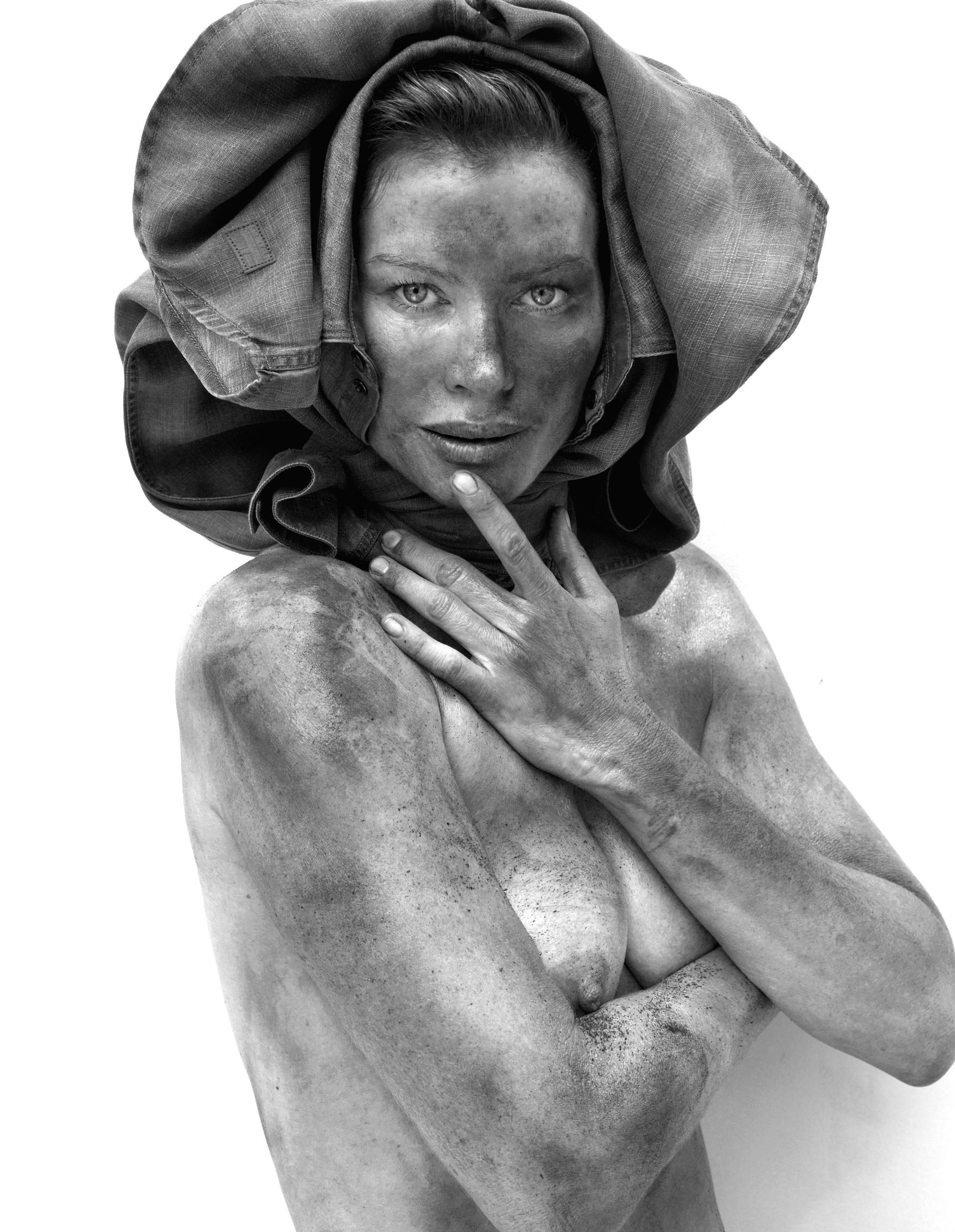 Carre Otis Topless 1 TheFappening.nu