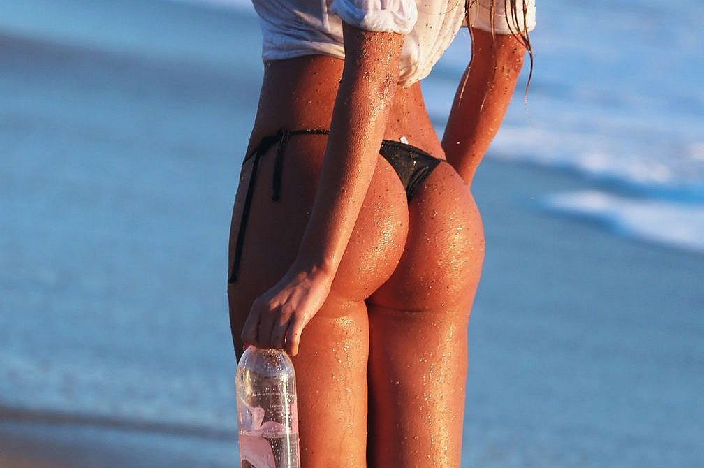 Charlie Riina Topless 01 TheFappening.nu