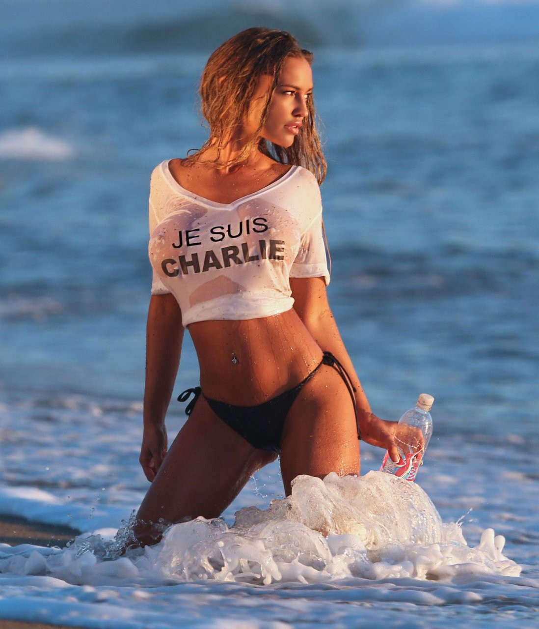 Charlie Riina Topless 17 TheFappening.nu