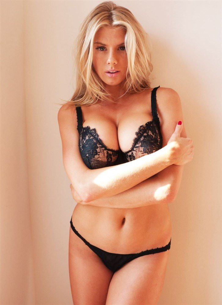 Charlotte McKinney Topless 07 TheFappening.nu