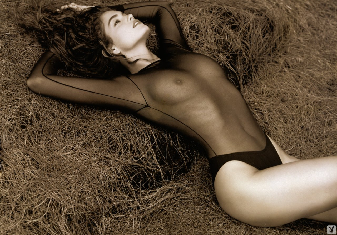 Cindy Crawford Naked 06 TheFappening.nu