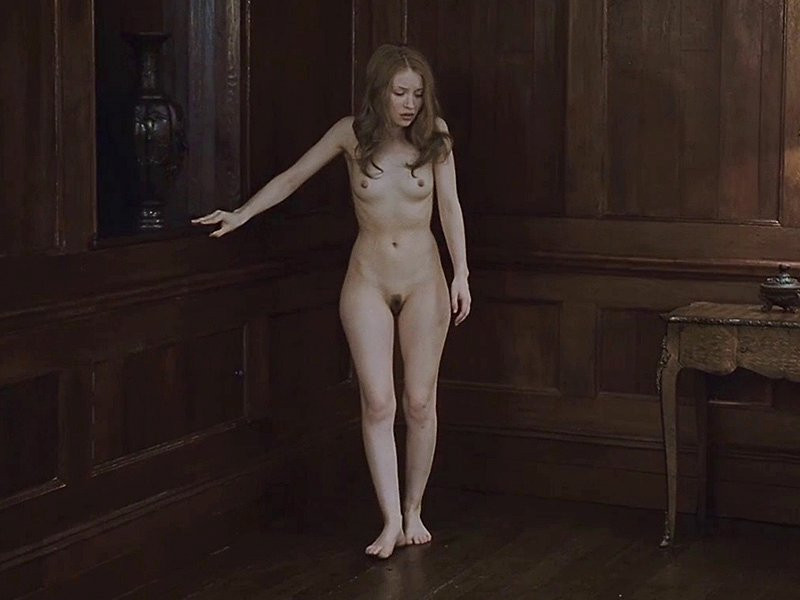 Emily Browning Naked 01 TheFappening.nu