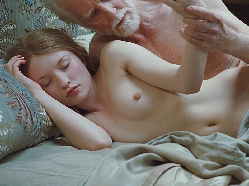 Emily Browning Naked 05 TheFappening.nu