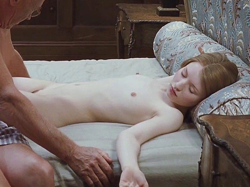 Emily Browning Naked 09 TheFappening.nu