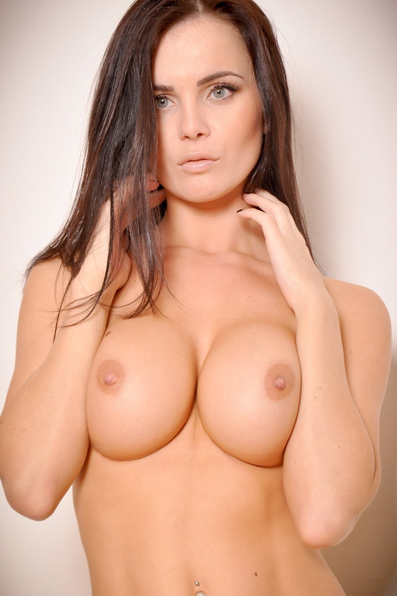 Emma Glover Naked 01 TheFappening.nu