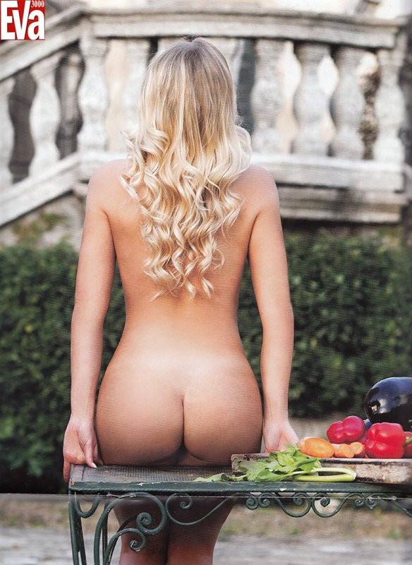 Francesca Cipriani Naked 03 TheFappening.nu