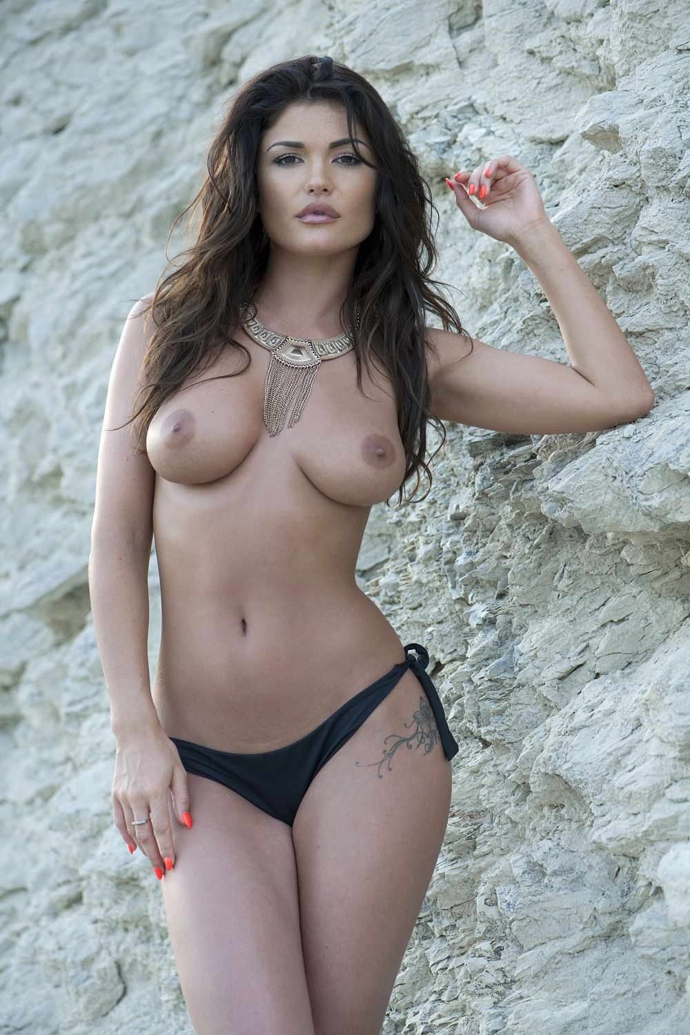 India Reynolds Topless 2 TheFappening.nu