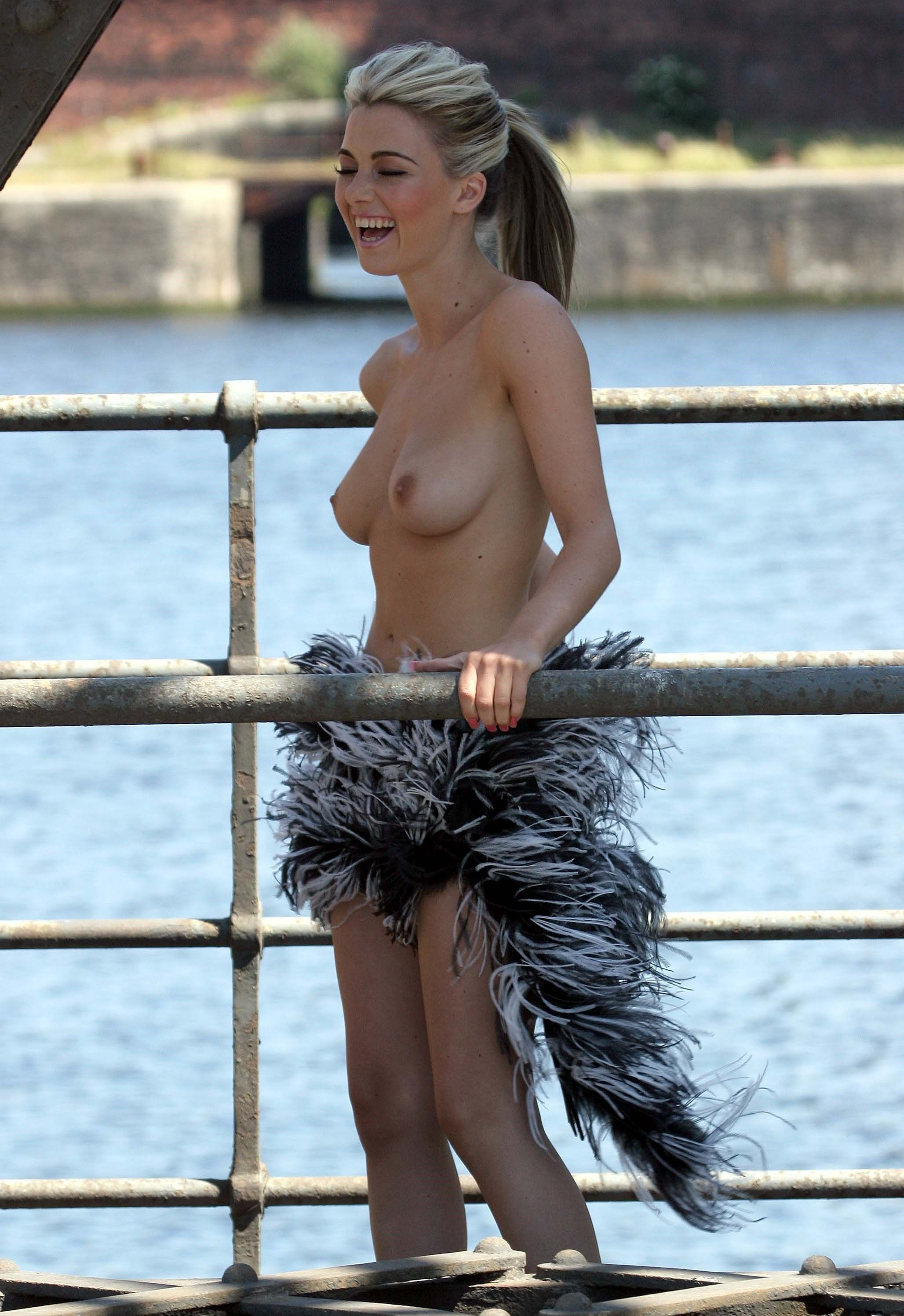 Katie Downes Topless 2 TheFappening.nu
