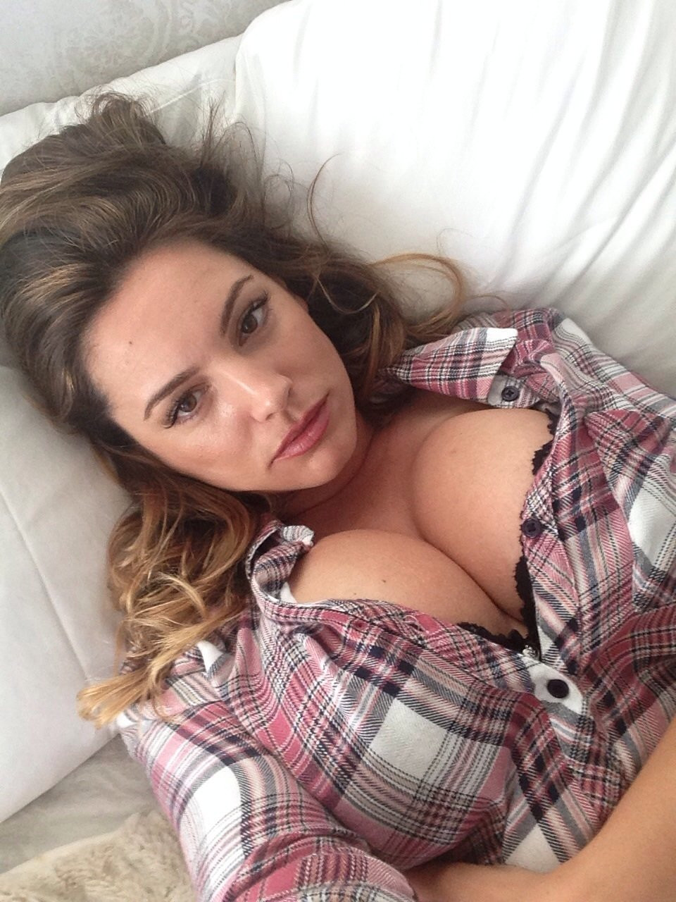 Kelly Brook Naked Leaked 11 TheFappening.nu