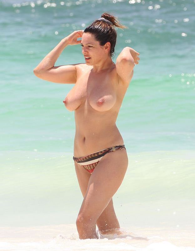 Kelly Brook Topless 15 TheFappening.nu