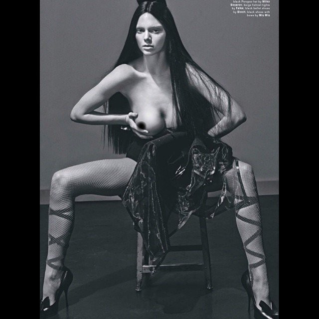 Kendall Jenner Topless 05 TheFappening.nu
