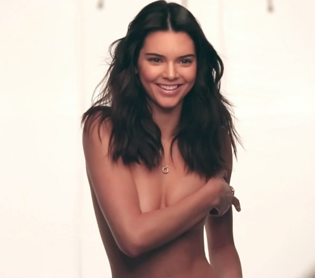 Kendall Jenner Topless 41 TheFappening.nu