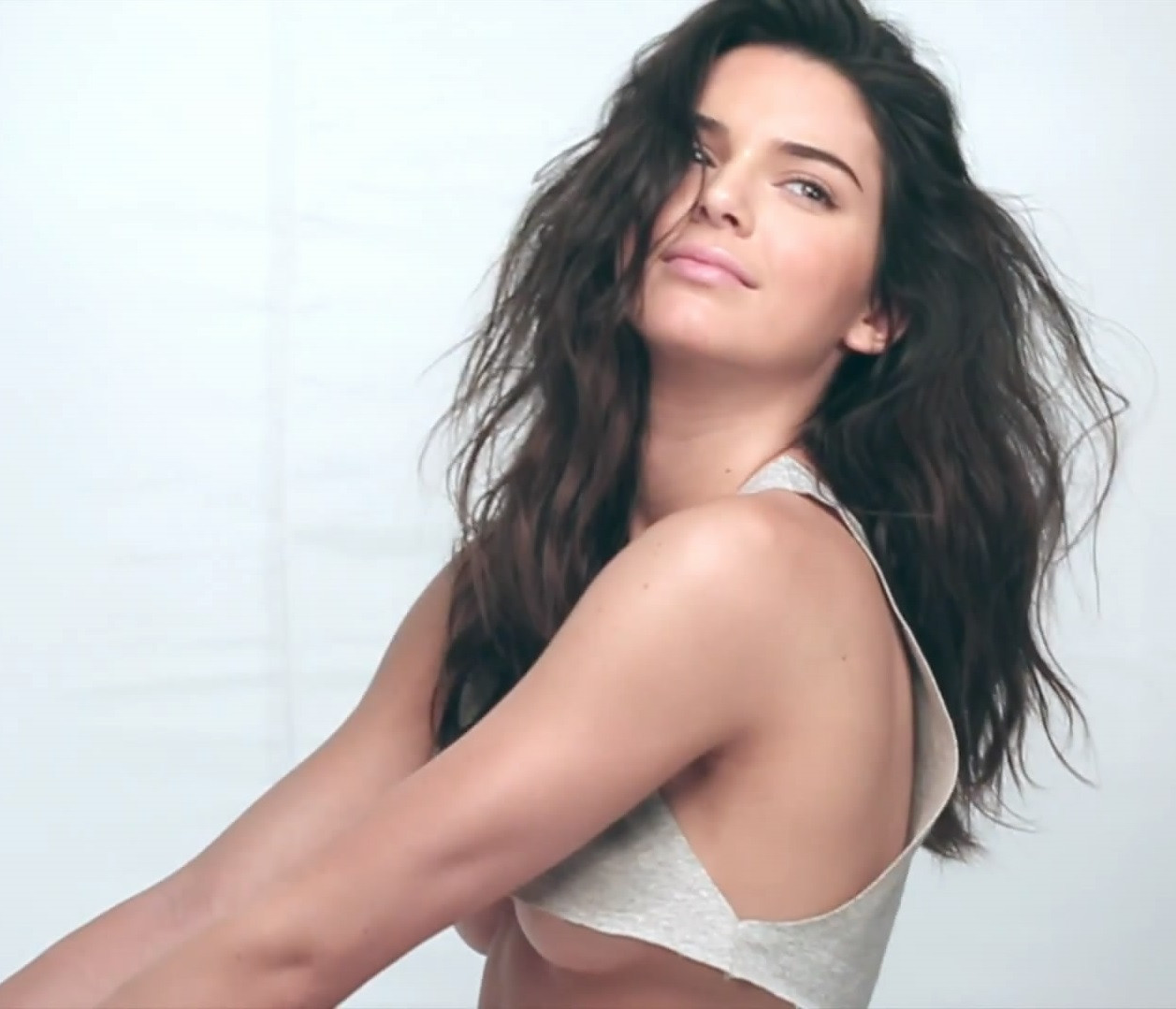 Kendall Jenner Topless 81 TheFappening.nu