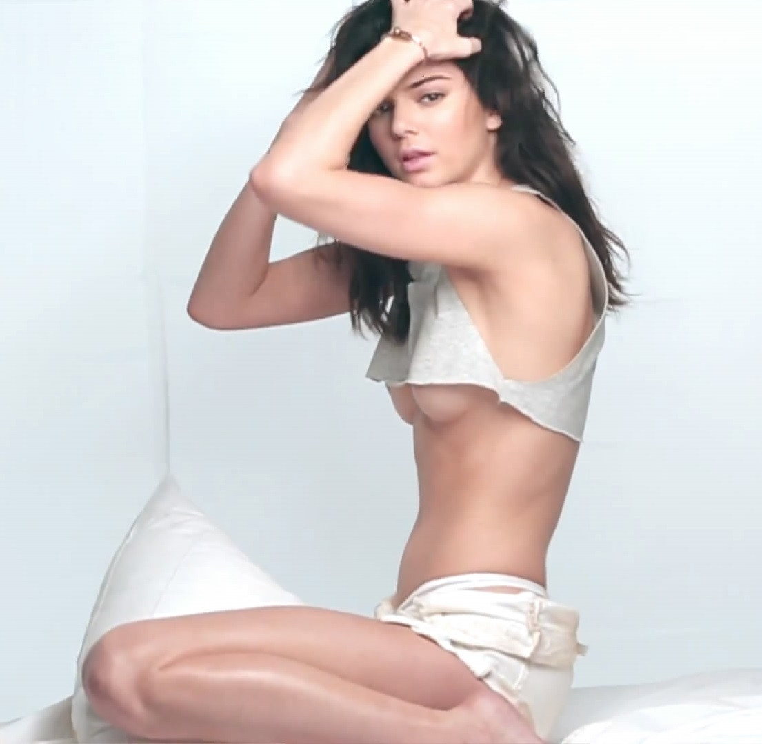 Kendall Jenner Topless 91 TheFappening.nu