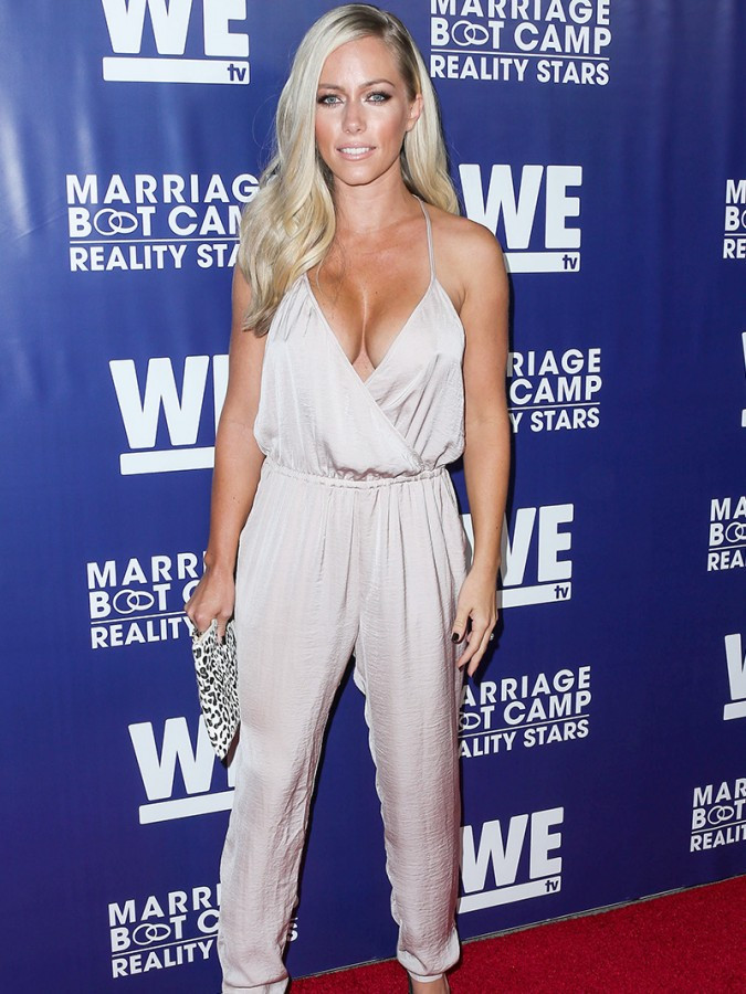 Kendra Wilkinson Huge Braless Cleavage For Reality Premiere Party 04 675x900 TheFappening.nu
