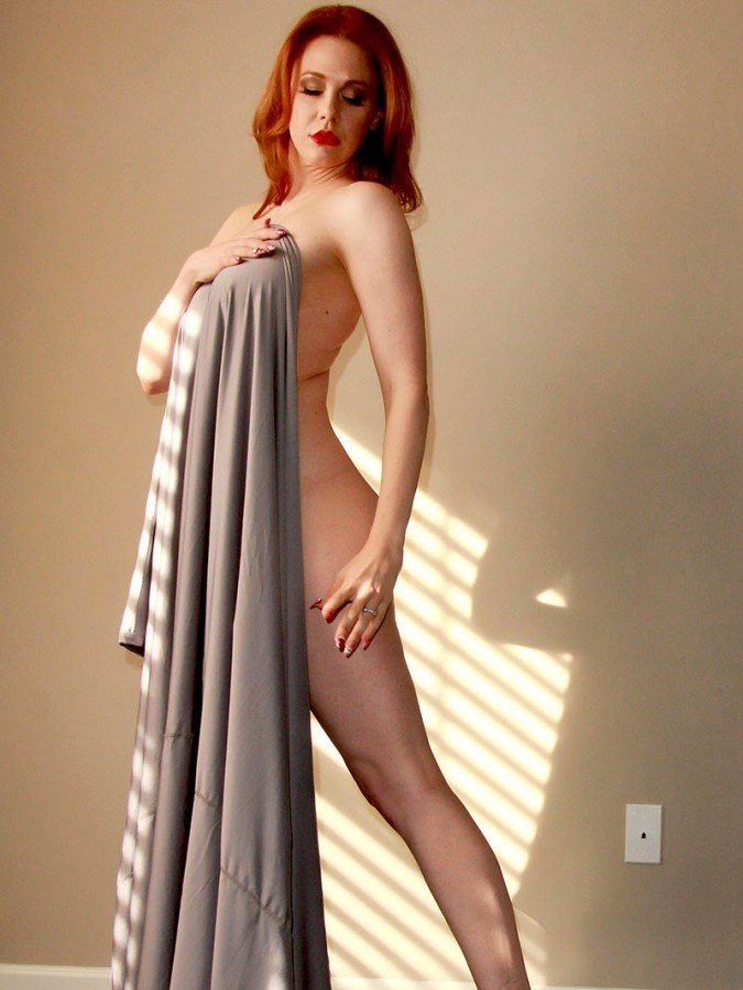 Maitland Ward Topless 03 TheFappening.nu