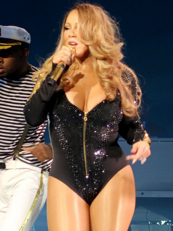 Mariah Carey Flashes Panties During Vegas Performance 03 675x900 TheFappening.nu