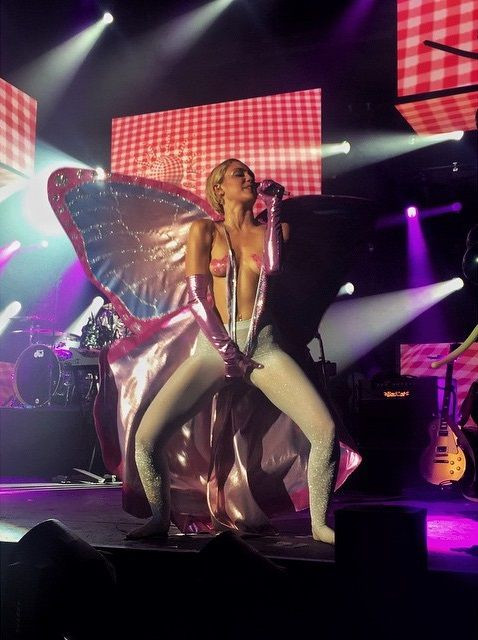 Miley Cyrus Topless 12 TheFappening.nu