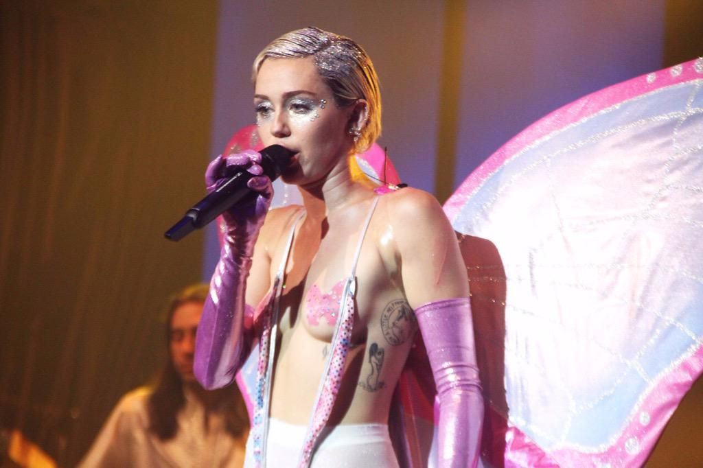 Miley Cyrus Topless 35 TheFappening.nu