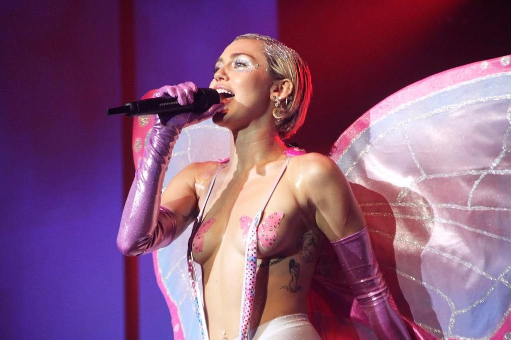 Miley Cyrus Topless 38 TheFappening.nu
