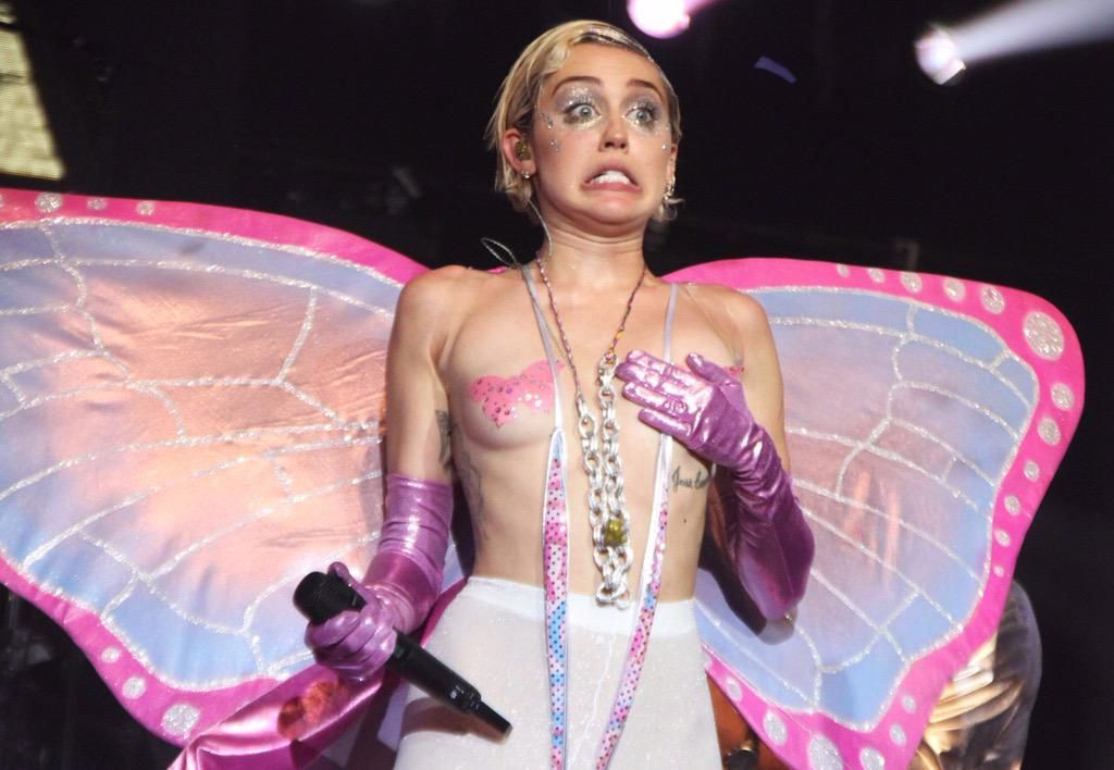 Miley Cyrus Topless 39 TheFappening.nu